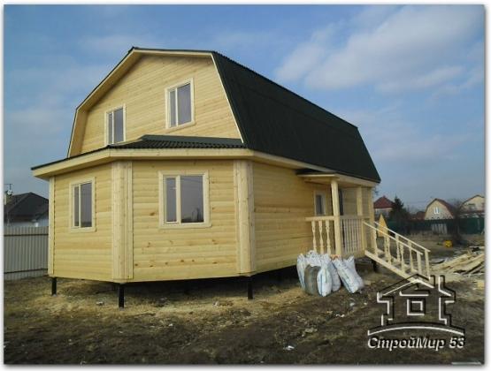 деревянный дом с эркером