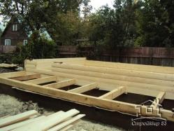начало строительства бани с мансардой