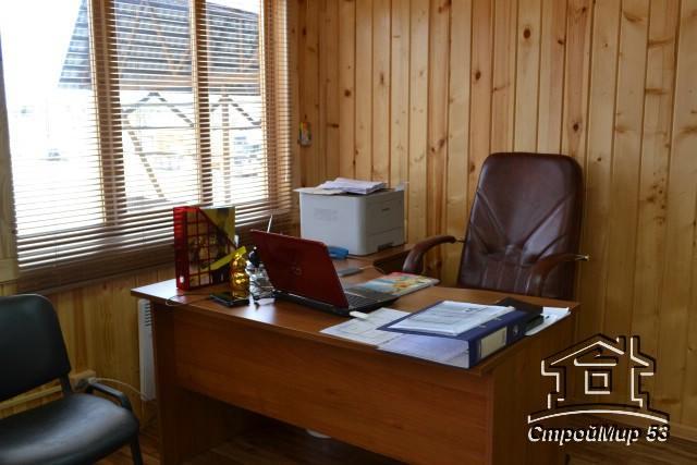 рабочее место в офисе