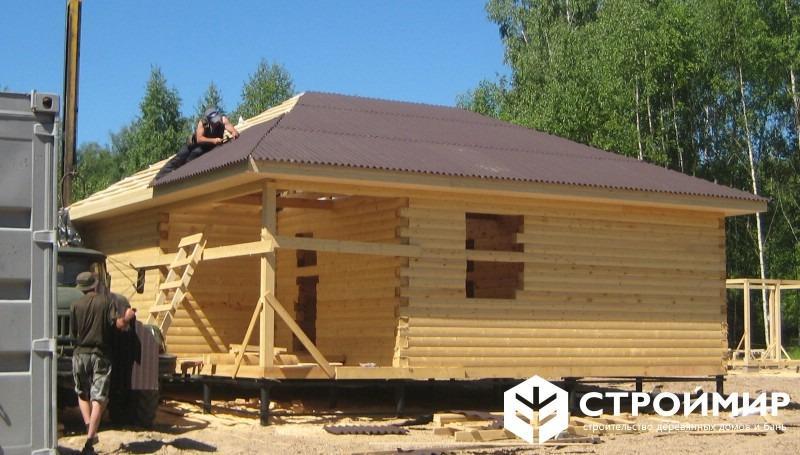 Дом 8х8 из бруса с вальмовой крышей