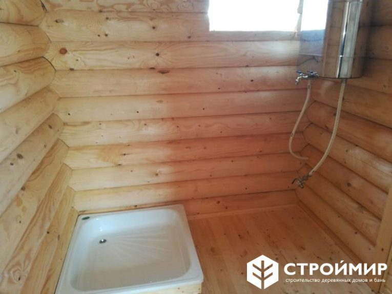 Строительство бани из бревна в деревне