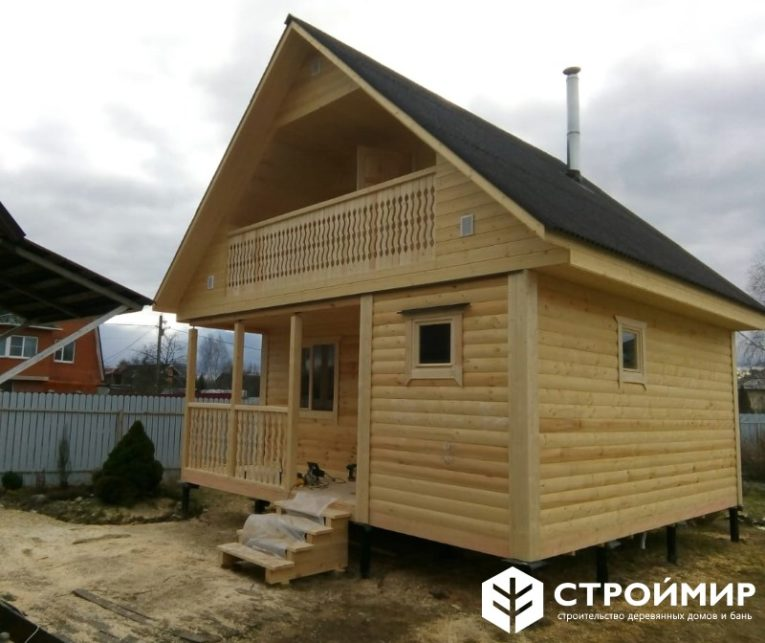 Дом-баня с балконом из бруса 6х6